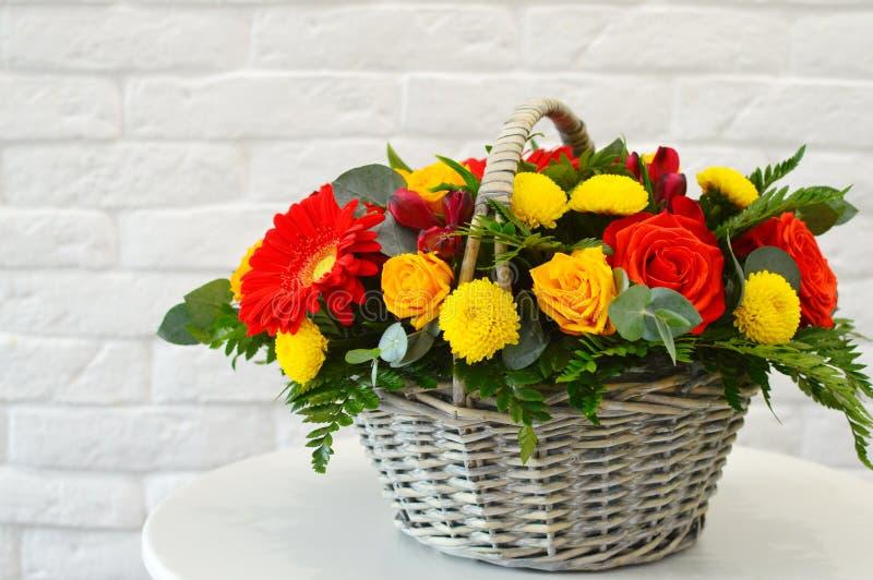 Härlig kombinerad bukett med exotiska blommor royaltyfria foton