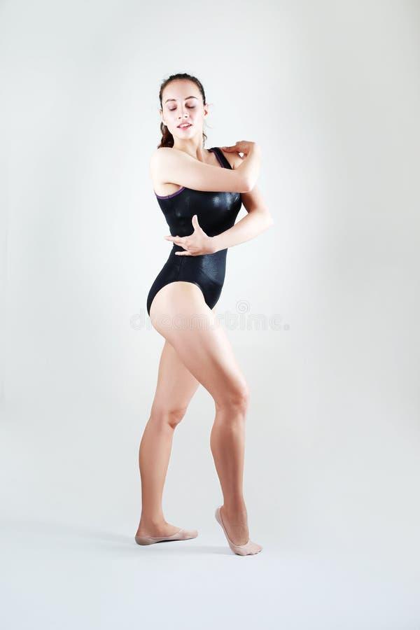 Härlig konstnärlig kvinnlig fotografering för bildbyråer