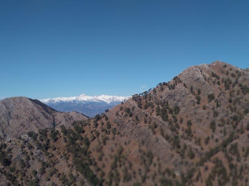Härlig kullesikt i Kashmir i Indien royaltyfri fotografi