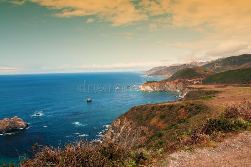 härlig kust- scenisk liggandenatur royaltyfri foto
