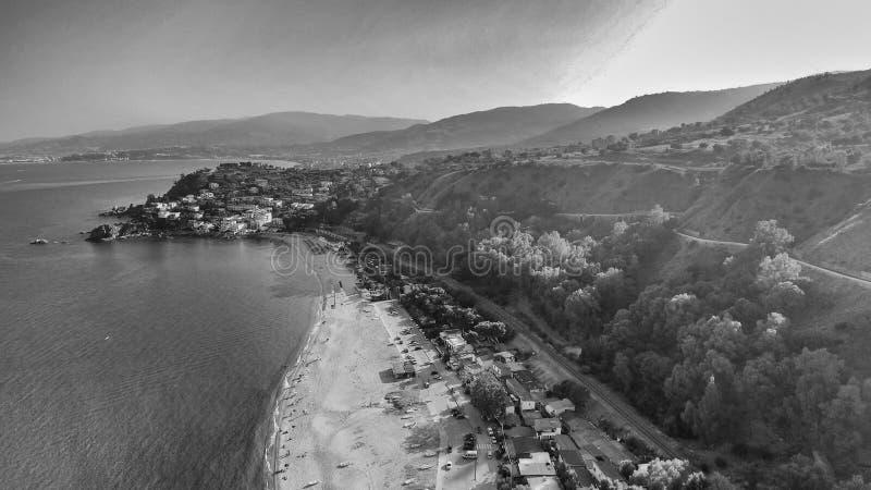 Härlig kustlinje av Calabria i sommarsäsong fotografering för bildbyråer