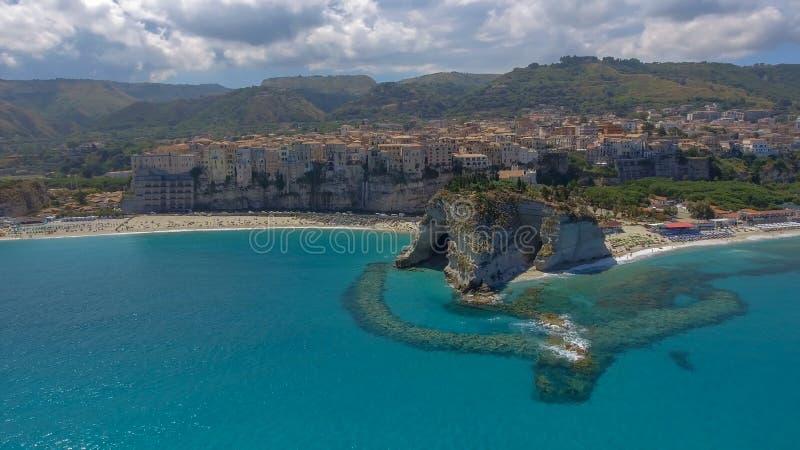 Härlig kustlinje av Calabria i sommarsäsong royaltyfria foton