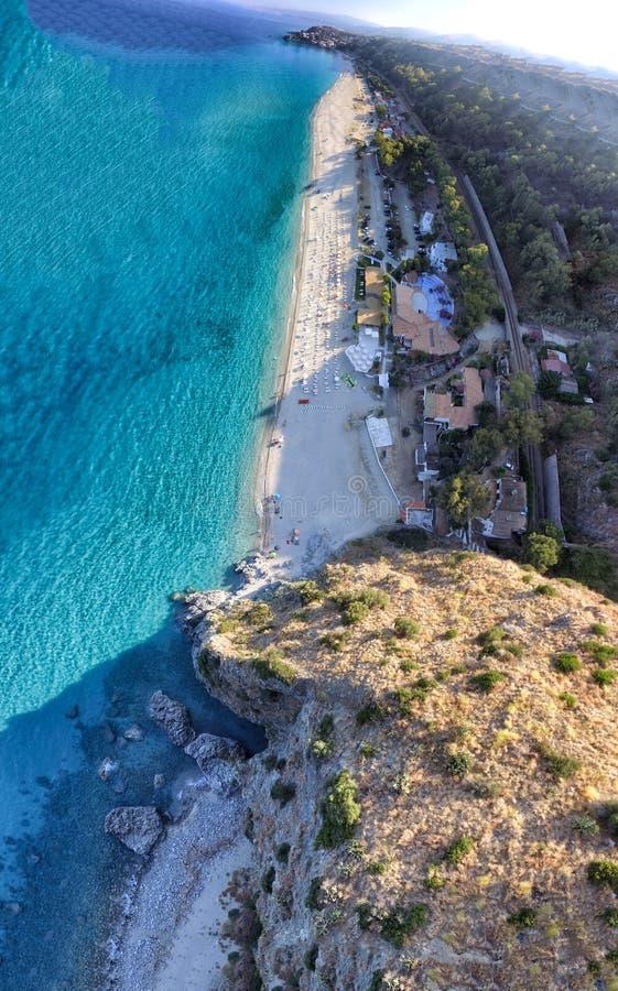 Härlig kustlinje av Calabria i sommarsäsong arkivfoto