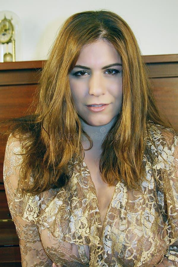 Härlig kvinna, brunt hår royaltyfri fotografi