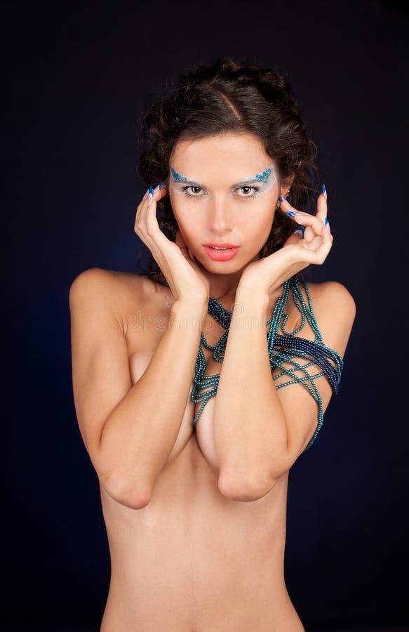 härlig kvinna för carly mörkt hår royaltyfri bild