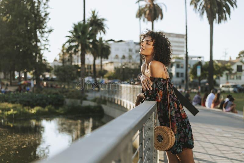 Härlig kvinna i Los Angeles royaltyfri foto