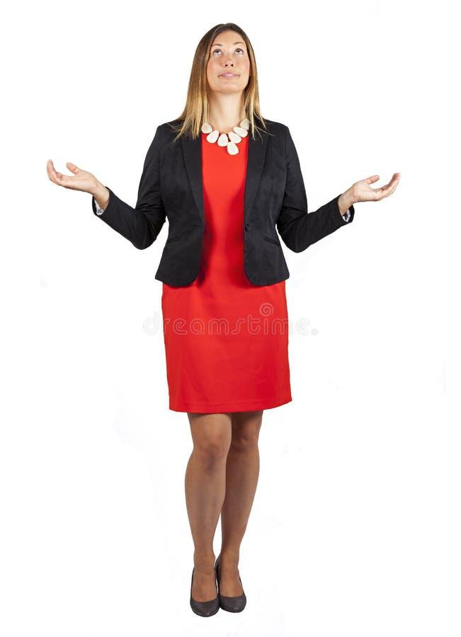 Härlig kvinna med armar och händer uppåt på vit royaltyfri fotografi