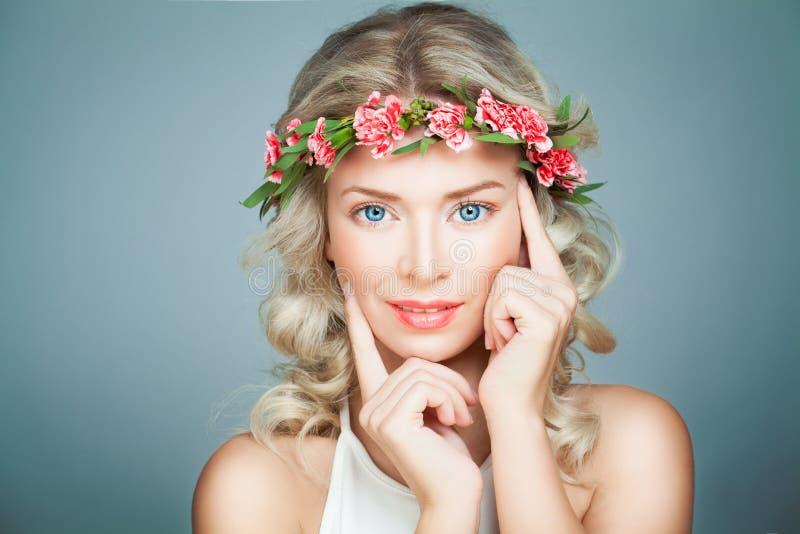Härlig kvinnaSpa modell med sund hud royaltyfri foto