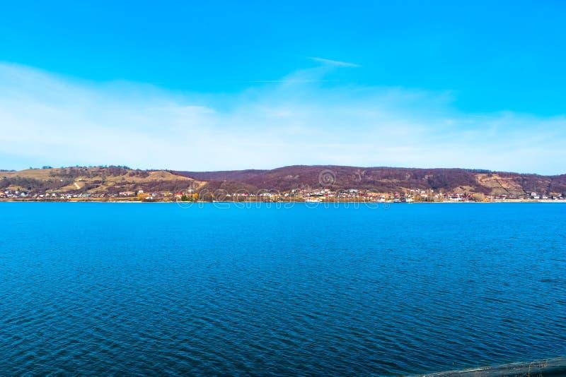 härlig lake royaltyfri bild