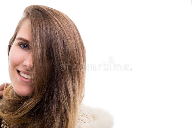 Härlig le hipsterkvinna i closeup royaltyfria foton