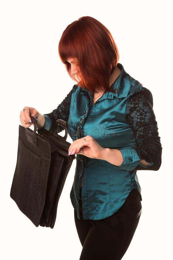 Härlig le portfölj för svart för innehav för affärskvinna arkivfoto