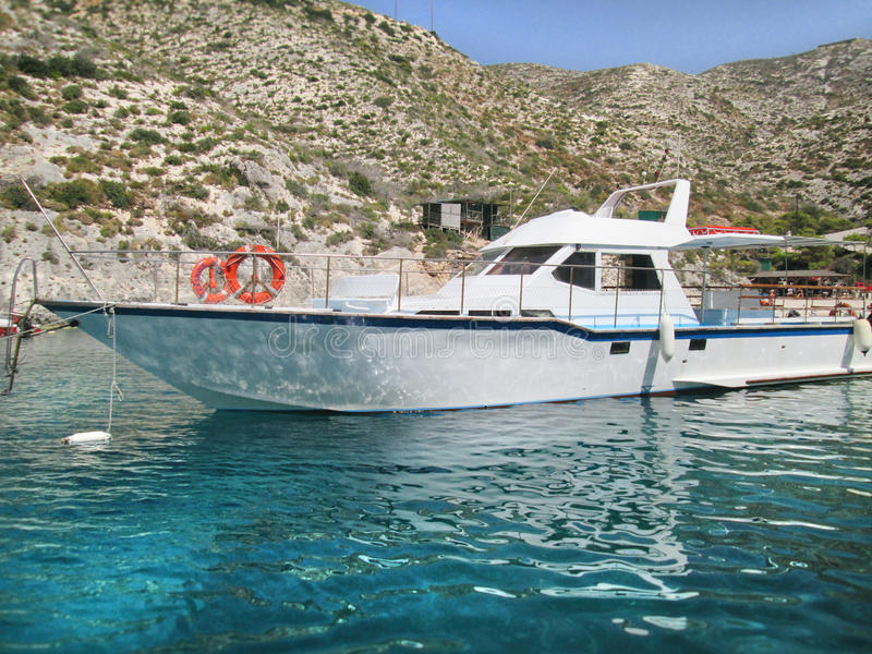 Härlig liten yacht royaltyfri foto
