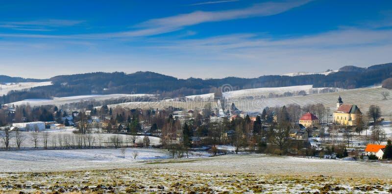 Härlig Lobendava by, Tjeckien royaltyfri foto