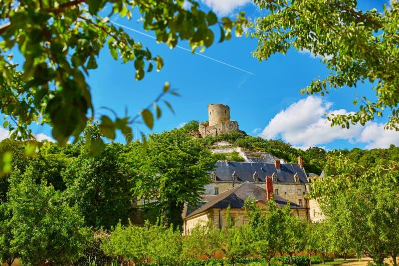 Härlig medeltida slott av La Roche-Guyon fotografering för bildbyråer