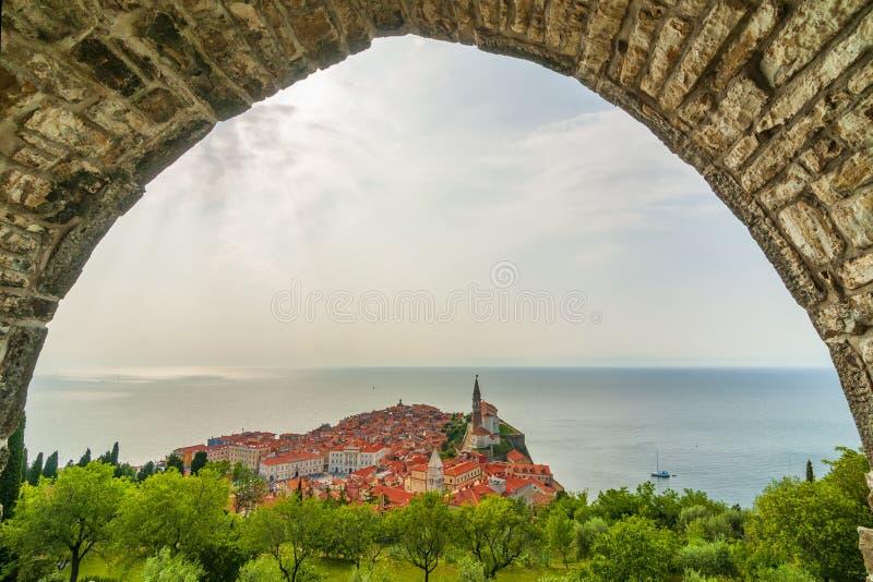 Härlig mediterranian stad Piran, Slovenien arkivfoto
