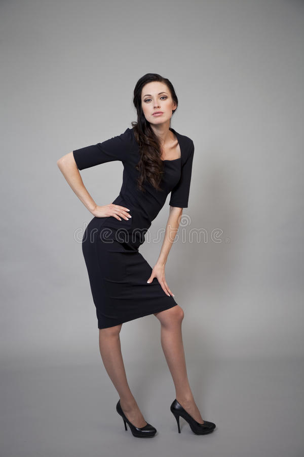 Download Härlig Modell I Modeklänning Arkivfoto - Bild av stående, glans: 37346260