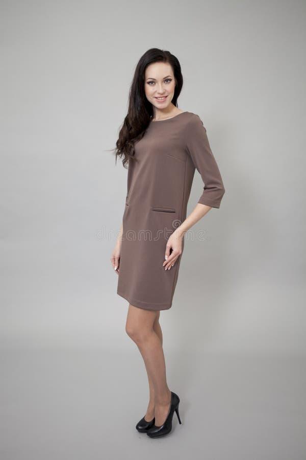 Download Härlig Modell I Modeklänning Arkivfoto - Bild av elegans, längd: 37346574