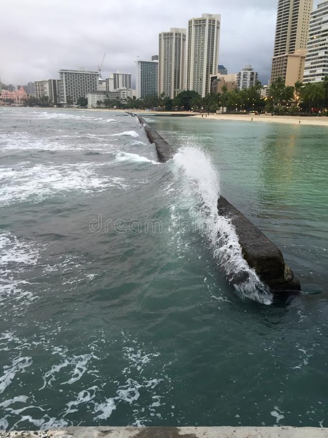 Härlig molnig dag i Waikiki royaltyfri fotografi