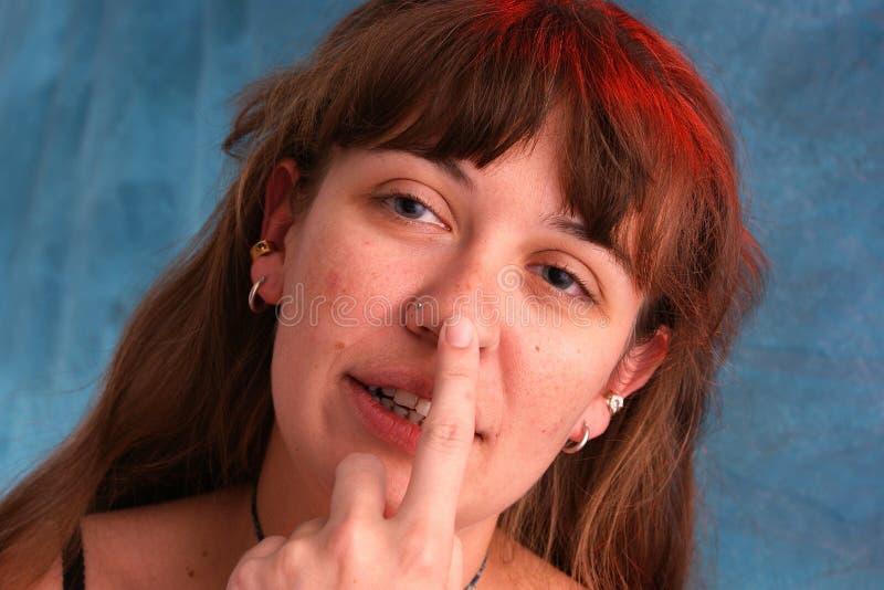 härlig näsa som trycker på kvinnan arkivbild