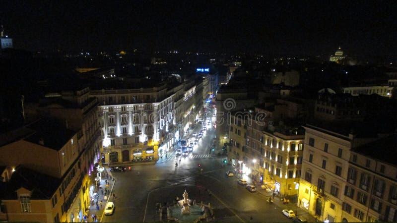 Härlig nattsikt av Rome från hotellet Bernini - piazza Barberini Rome Italien Europa royaltyfria foton