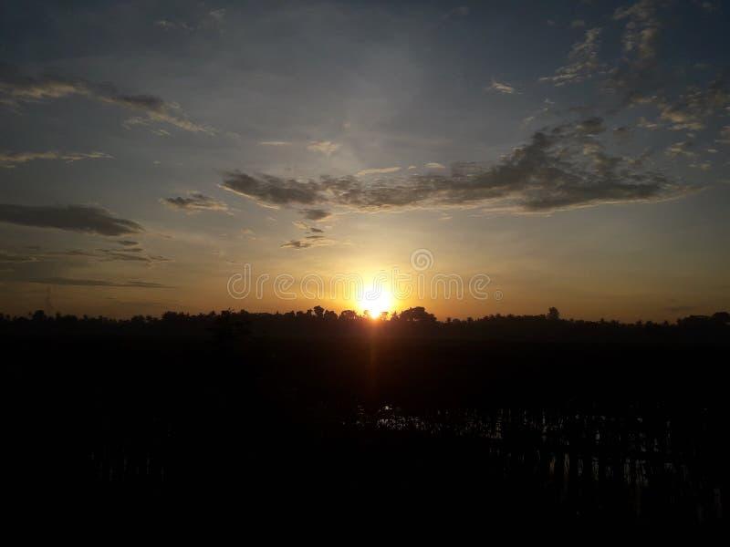Härlig och fantastisk soluppgång av i dag royaltyfri fotografi