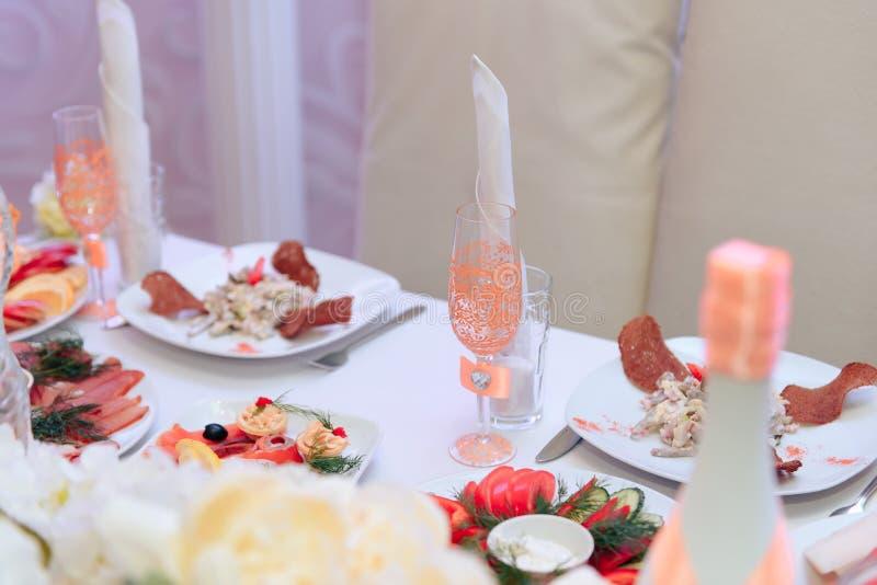 Härlig och rik brud- dekor i restaurangen 1 fotografering för bildbyråer