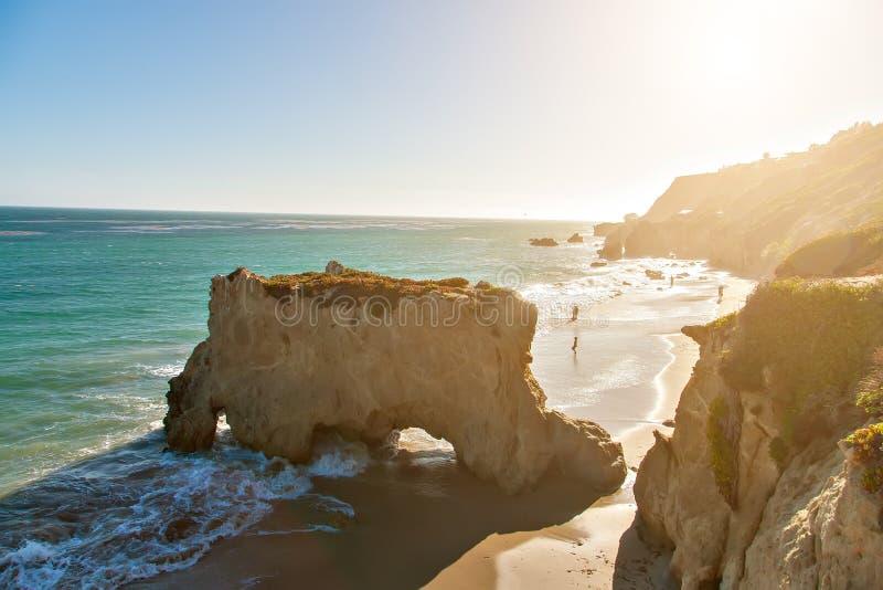 Härlig och romantisk El-matador Beach i Malibu arkivfoton