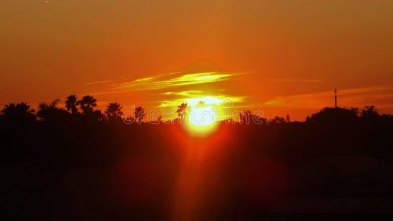 Härlig orange solnedgång arkivfoton