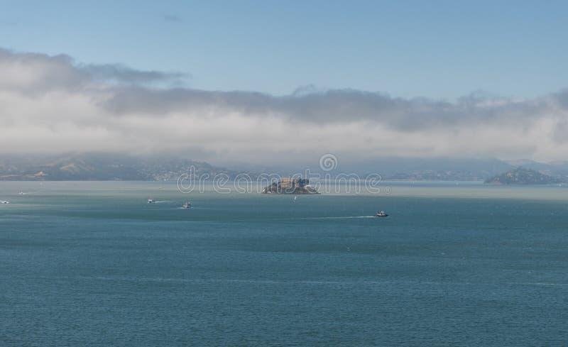 Härlig panorama- Alcatraz utsikt, San Francisco Bay Area royaltyfri bild