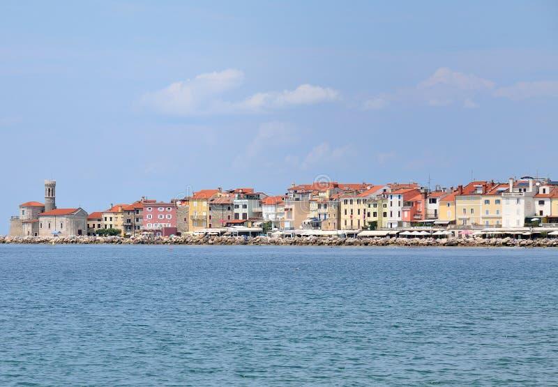 Härlig panorama för Europa Slovenien Piran stad fotografering för bildbyråer