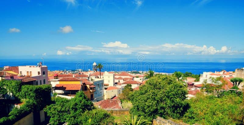 Härlig panorama- flyg- sikt av den La Orotava staden Historiska mittgränsmärken och arkitektur av La Orotava royaltyfria foton