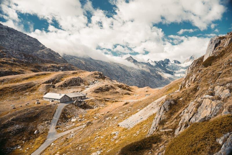 Härlig panorama- natur i bergen royaltyfria bilder