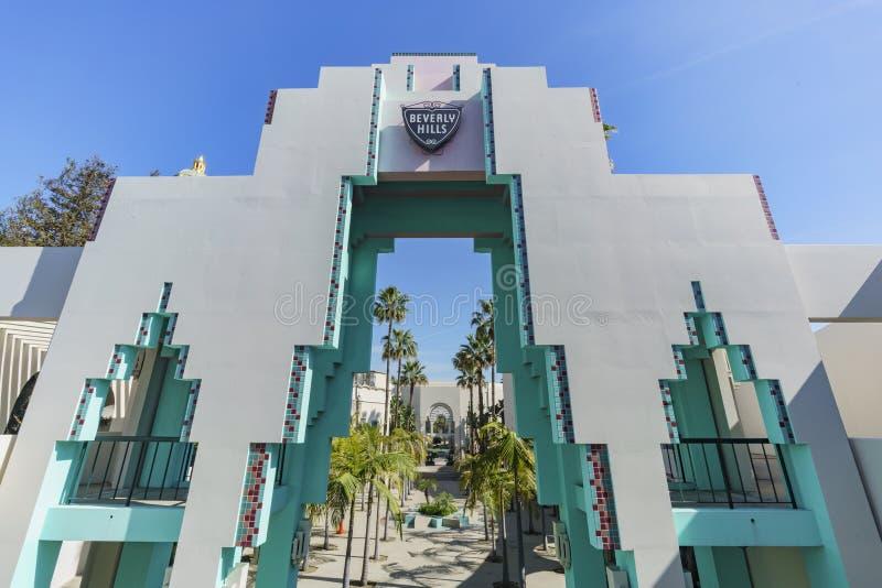 Härlig plats runt om det Beverly Hills stadshuset arkivbilder