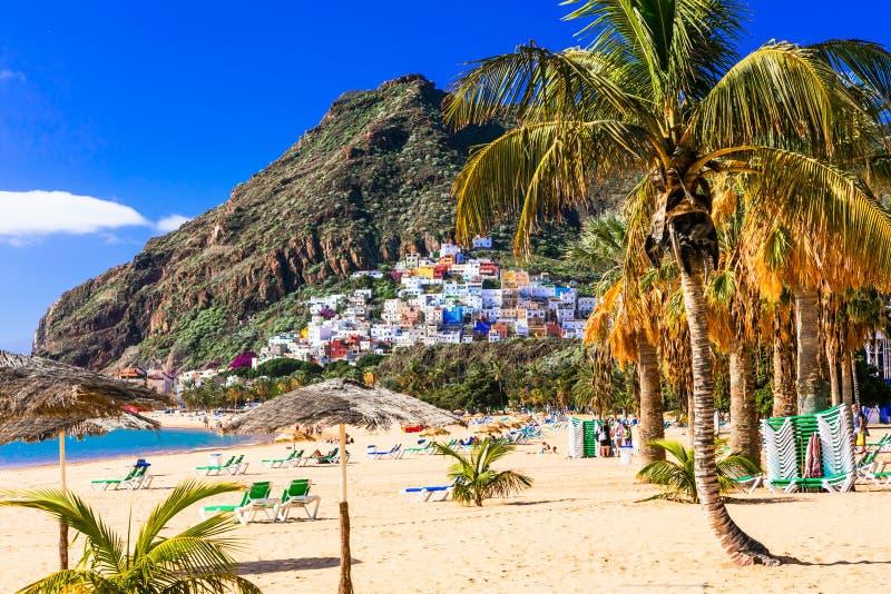 Härlig Playa de Las Teresitas nära Santa Cruz tenerife spain arkivfoto