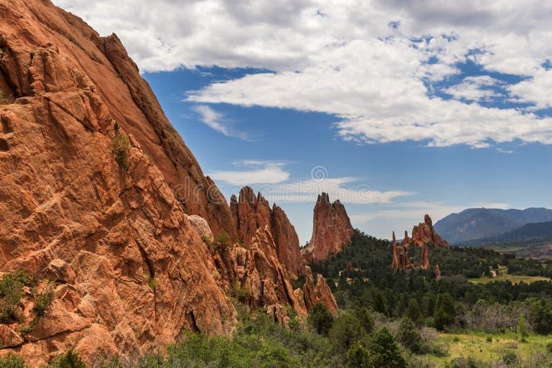 Härlig röd sandsten vaggar bildande i den Roxborough delstatsparken i Colorado, nära Denver arkivbilder