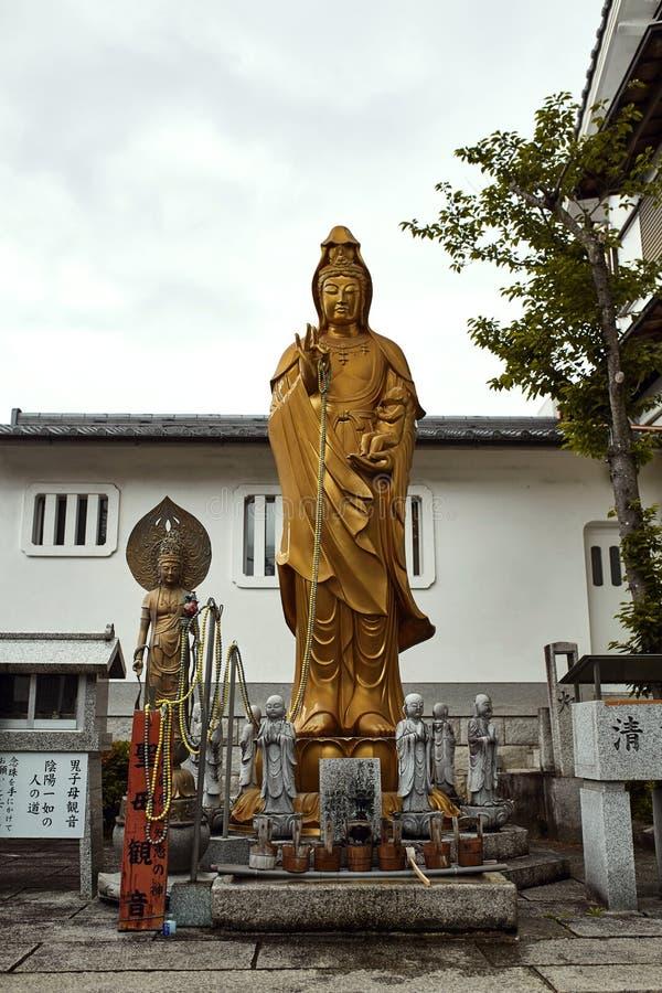 Härlig relikskrin i Kyoto, Japan arkivfoton