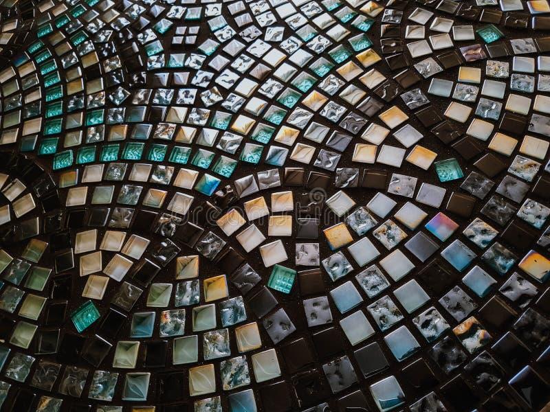 Härlig rund exponeringsglasmosaiktabell med den geometriska modellen handgjort arkivfoto