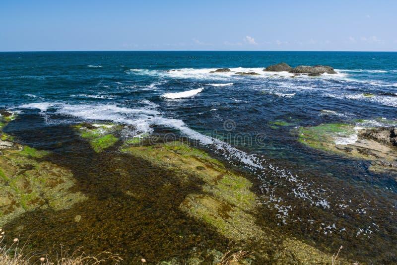 Härlig seascape av den Black Sea kusten nära Tsarevo, Bulgarien Arapya fjärd royaltyfri bild