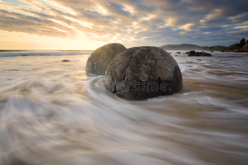 Härlig seascape i ostkusten Nya Zeeland fotografering för bildbyråer