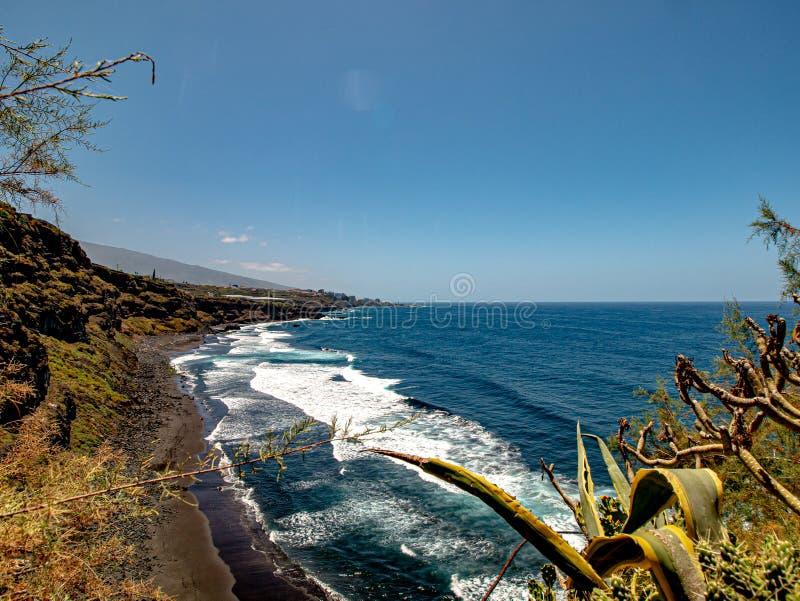 Härlig sikt över en fascinerande kust arkivbilder