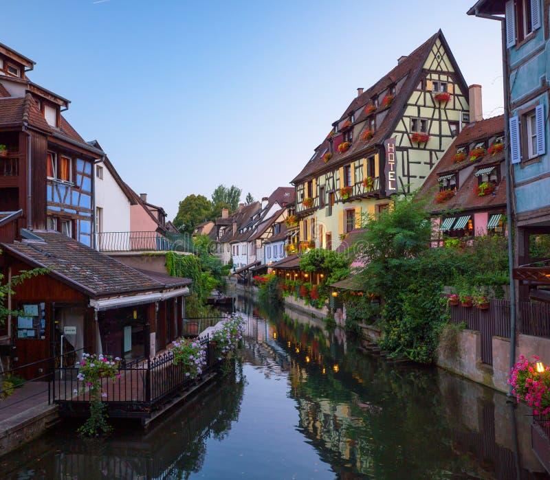 Härlig sikt av den historiska staden av Colmar royaltyfri foto