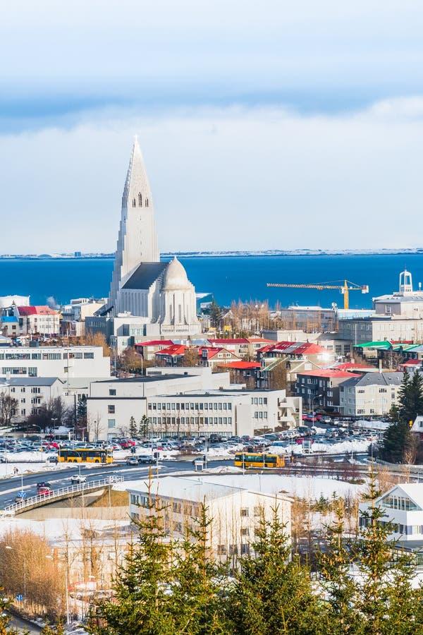 Härlig sikt av den Reykjavik vintern i Island vintersäsong arkivbild