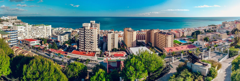 Härlig sikt av den Torremolinos kusten royaltyfria bilder