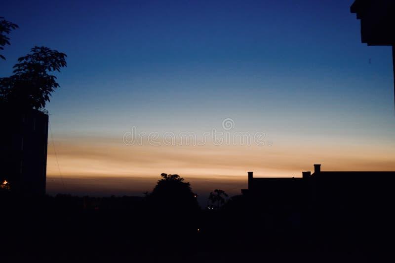 Härlig sikt av en solnedgång royaltyfria foton