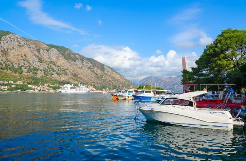 Härlig sikt av fjärden av Kotor, Montenegro royaltyfri bild