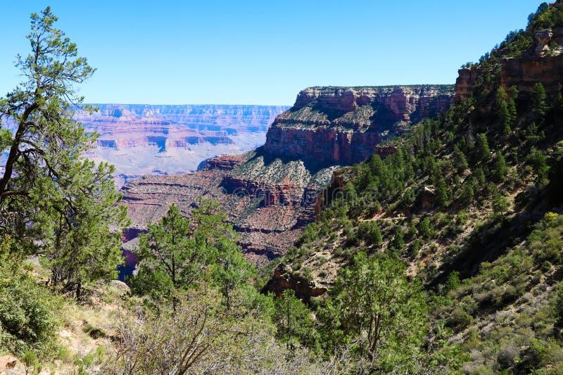Härlig sikt av Grand Canyon från den södra kanten royaltyfria bilder