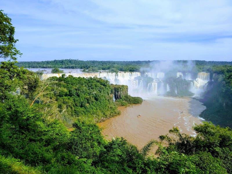 Härlig sikt av Iguazu Falls, Paraná, Brasilien royaltyfri fotografi