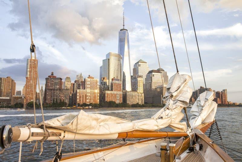 Härlig sikt av New York City med World Trade Center arkivfoto