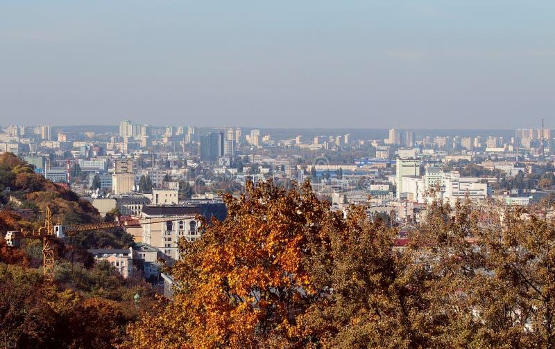 Härlig sikt av staden Konstruktion och arkitektur på Podol Kiev ukraine royaltyfri foto