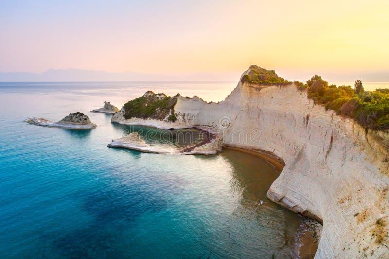 Härlig sikt av udde Drastis i Korfu i Grekland royaltyfria bilder